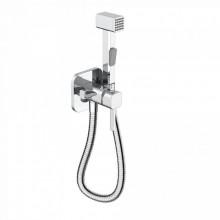 Встраиваемый смеситель с гигиеническим душем Iddis 004SBS0i08, квадратный, цвет хром